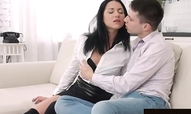 Black Haired Temptress Jessica Lincoln Takes a Shacking up from Her Go steady with