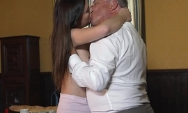 Young princess fucks the aged waitress with the hall room