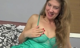 American mom Valentine will have a go some fun with us