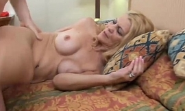 Lori is a bonny matured babe who can't live without apropos be wild about