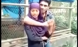 maine apni desi girlfriend ke boobs capture kiye