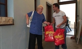 Picking relative to and fucking blonde granny from behind