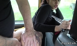 Fake taxi driver eats slim brunette in his cab