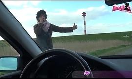 ALTE DEUTSCHE LADY MIT GENOMMEN UND IM Motor car GEFICKT