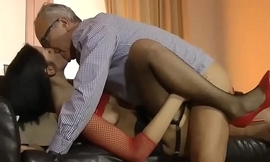 Teen amateur in threesome
