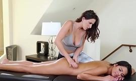 Cousin nance massage
